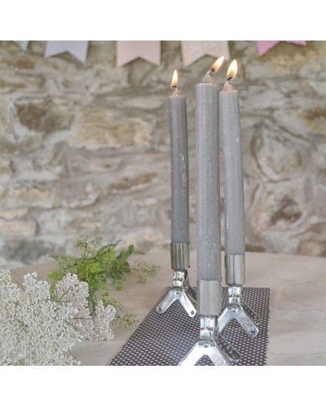La clip ideale per una cena romantica. La candela si incastrerà a perfezione nella clip e illuminerà la tavola con una luce calda e suadente. Utilizza più clip per creare un'atmosfera intima e raccolta nelle tue stanze; magari durante un bagno rilassante o la lettura del tuo libro preferito!