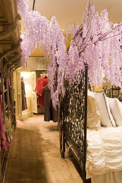 paper wisteria by ruthi auda for anthropologie: Anthropologie Dreamy, Paper Wisteria Flowers, Display, Anthropologie Paper, Tissue Paper, Wisteria Tree, Sweet Dreams, Amazing Ideas