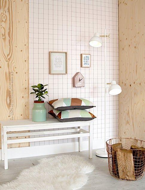 Bankje met kussens en een vaas | Bench with pillows and a vase | Present Time