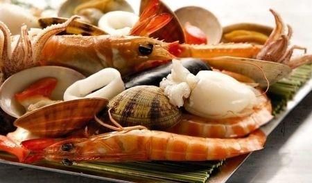 pescado : sepias,escalonia, gallineta,  calamares,mejillones y almejas.