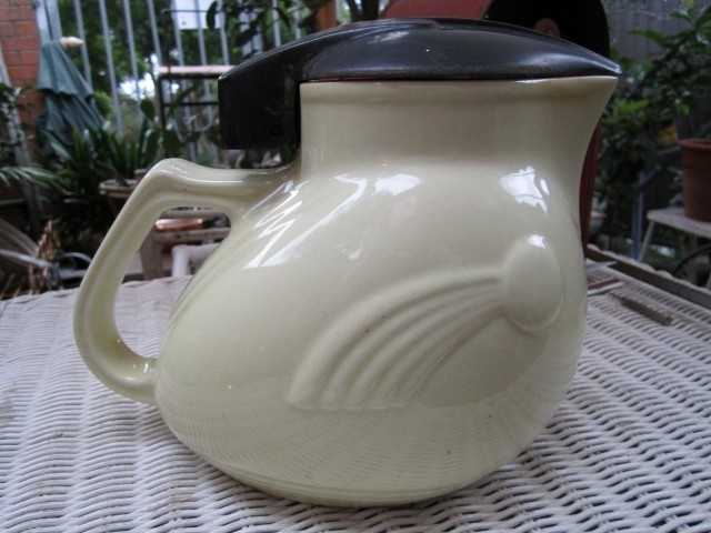 Australian Pottery Art Deco 1940s Nilsen Electric Kettle