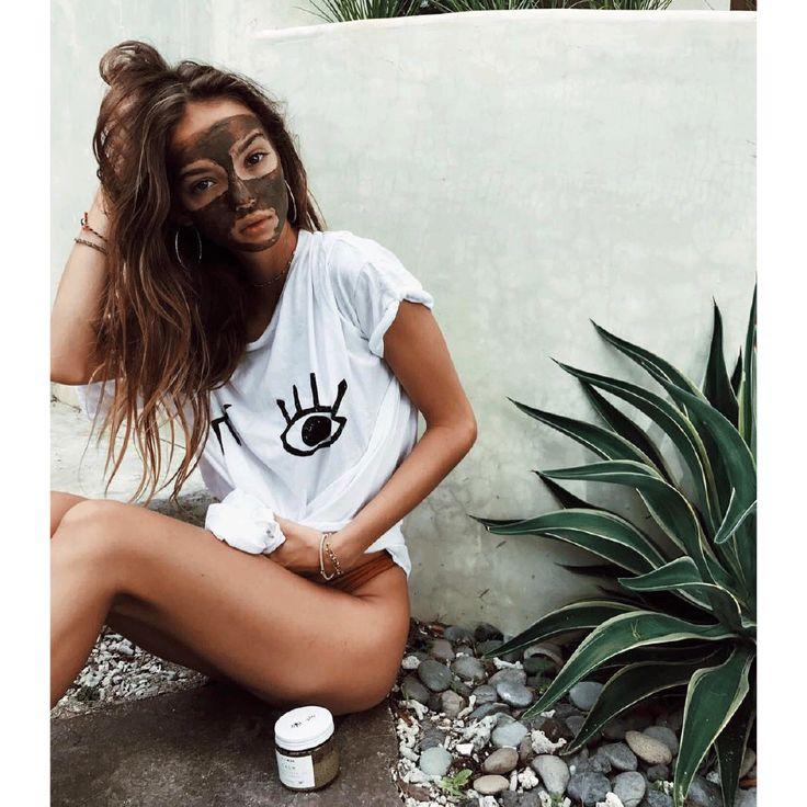 WINKWINK Boyfriend Tee | Inka Williams in the CALM skin mask