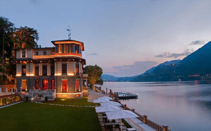 Are you looking for a glamour #travel to #Italy? Discover #lake #Como with its #elegant 18-th century #villas.