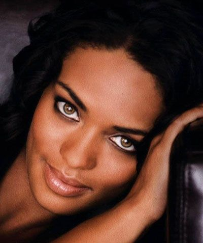 kandyse mcclure - a choice for reboot Uhura's sister, or mother - in a flashback to her earlier life