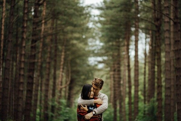 Stunning forest backdrop | Cozy Forest Engagement in Clumber Park via Junebug We…