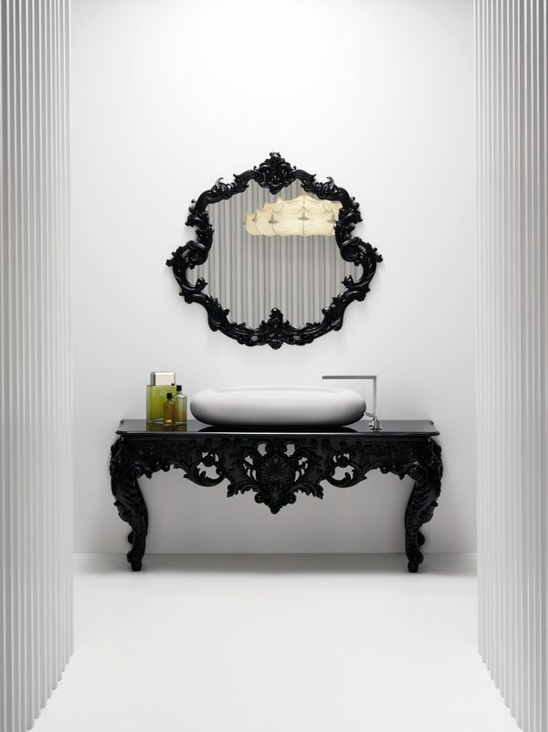Love this as an entranceway piece w mirror (minus sink,faucet of course) LIA Leuk Interieur Advies/Lovely Interior Advice: Black