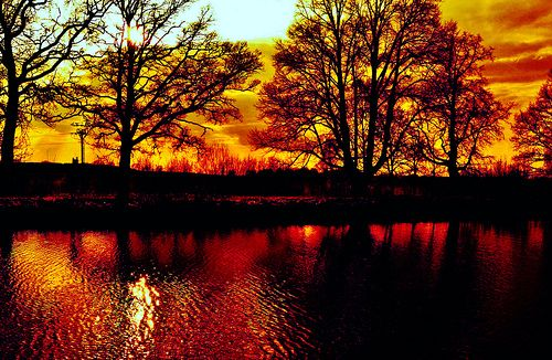 sunset     http://www.youtube.com/watch?v=X4khVWK1Xdw&feature=share&list=UUJNAZ9OFsulr4ZATFJZjibQ