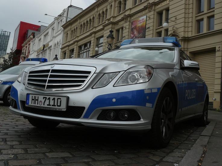 Mercedes benz hamburg polizei mercedes benz pinterest for Benz hamburg