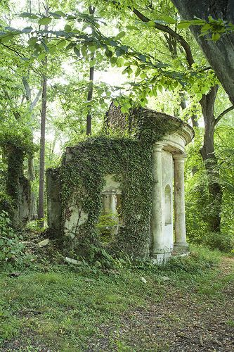 Le temple de Pan | Garden Folly, France √