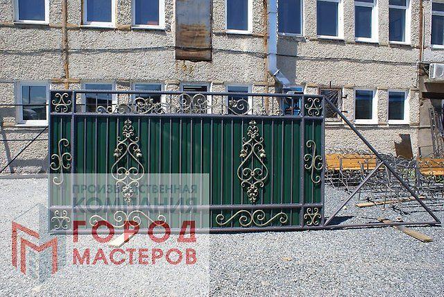 Ворота откатные, распашные от 13 400 рублей - Металлообработка, сварка, металлоконструкции в Находке