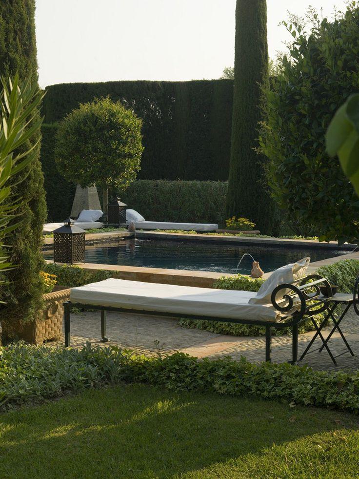 Elegant pool side