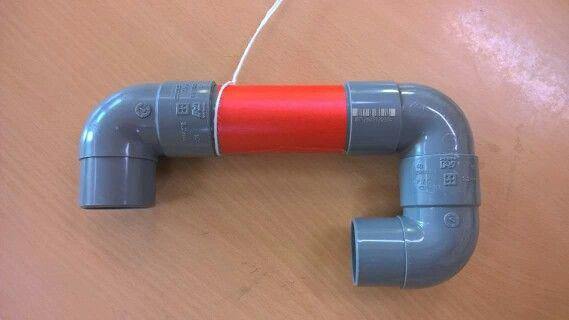 Deze fluisterphone helpt kinderen om zichzelf te horen tijdens het lezen in de klas. Makkelijk zelf te maken van pvc-buis.