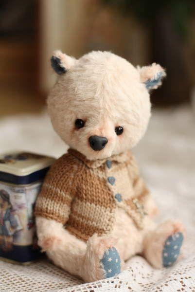 Tom by By Olga Nechaeva | Bear Pile