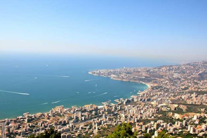 11. Бейрут, Ливан Бейрут е историческа столица на Ливан и един от най-космополитните градове в Близкия Изток. Често сравняван с Париж, той е страхотно място за хапване, разходки и забавления.