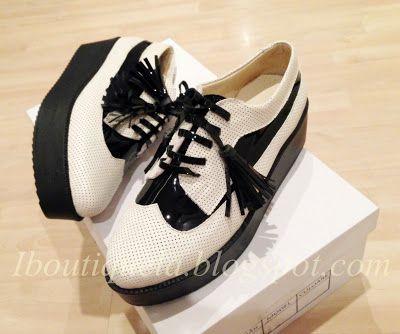 pantofi talpa: 4cm (alba/neagra) marimi disponibile: 35-40 pret: 270 RON pt comenzi: incaltamintedinpiele@gmail.com