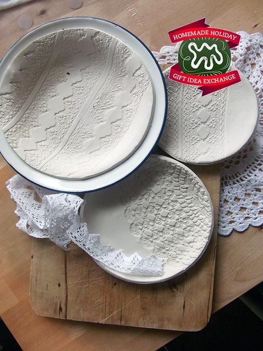 Make this Homemade Holiday Gift: Lace-Printed Plates Homemade Holiday Gift Idea Exchange: Project #2 | Apartment TherapyDiy Coasters, Holiday Gift, Homemade Holiday, Apartments Therapy, Ideas Exchange, Gift Ideas, Lace Prints Plates, Diy Projects, Homemade Gift