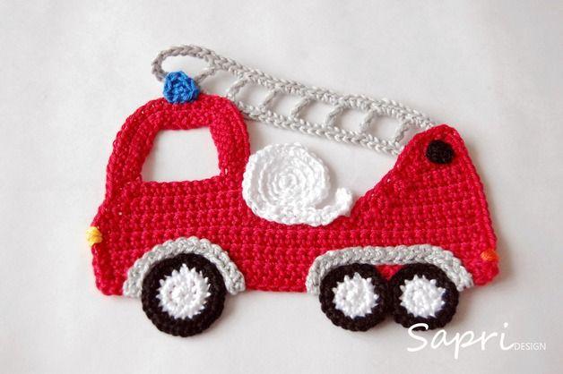 Das gehäkelte Feuerwehrauto kann einfach auf Kleidung, Kissen und andere Textilien aufgenäht werden. So wird z.B. aus einem einfachen Pullover schnell ein Einzelstück.   Auf der Farbkarte siehst...