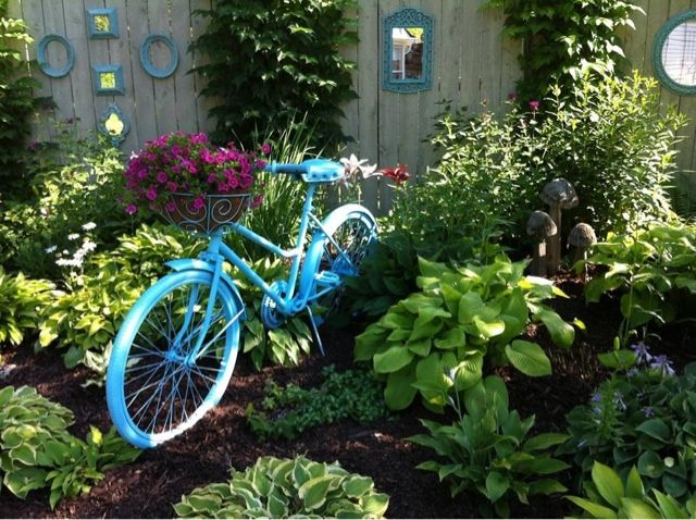 51 best images about Garden Bicycle Planters on Pinterest