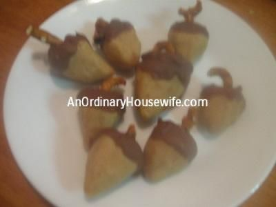 Get your PB chocolate fix with these Chocolate Peanut Butter Acorns!