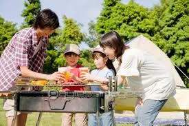 「家族で楽しむBBQ」の画像検索結果