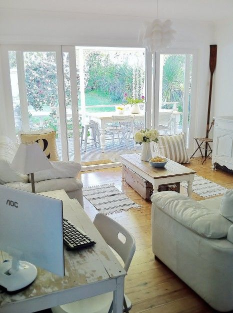 Seaside Cottage Decorating Ideas | ... Room Before shots please note the stunning doors, decor and floor