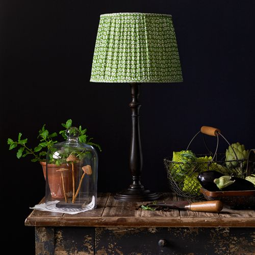 Coco table lamp in mahogany