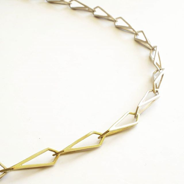 Necklace made from links in 18ct yellow gold and silver...... #bijoux #jewellery #collection #artjewellery #contemporary #crafts #jewelryblog #simplicity #handcrafted #etsyfinds #etsysuccess #alm #faitmain #handmade #création #madeinfrance #necklace #Minimalist #geometric #makersgonnamake #makersmovement #craftsposure