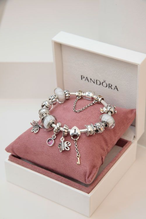 Pandora Charm Bracelet with white, love the simplicity of this