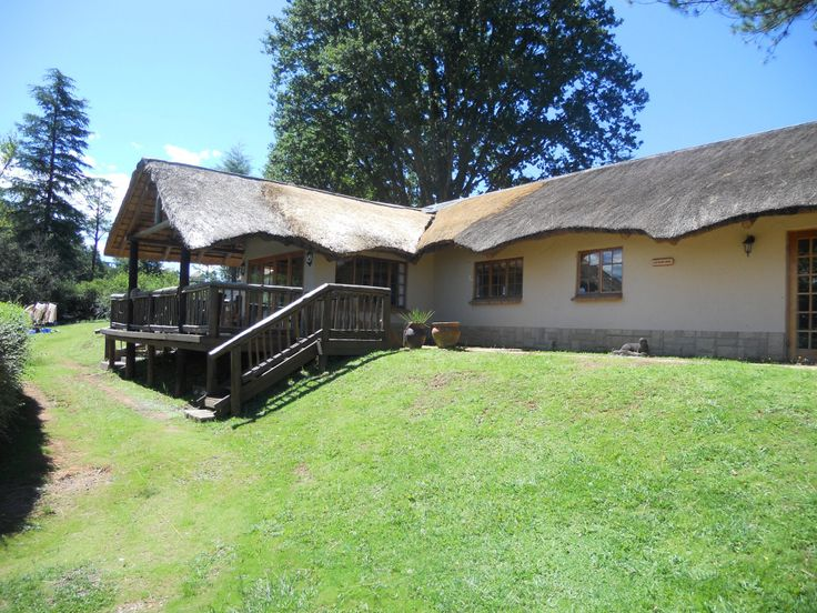 Kingfisher.  3 bedroom self-catering thatch house at The Old Hatchery