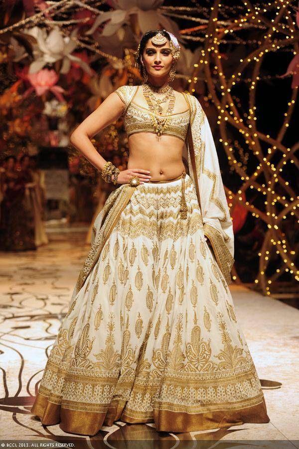 Sonam Kapoor   #lehenga #designer #indian #women #fashion