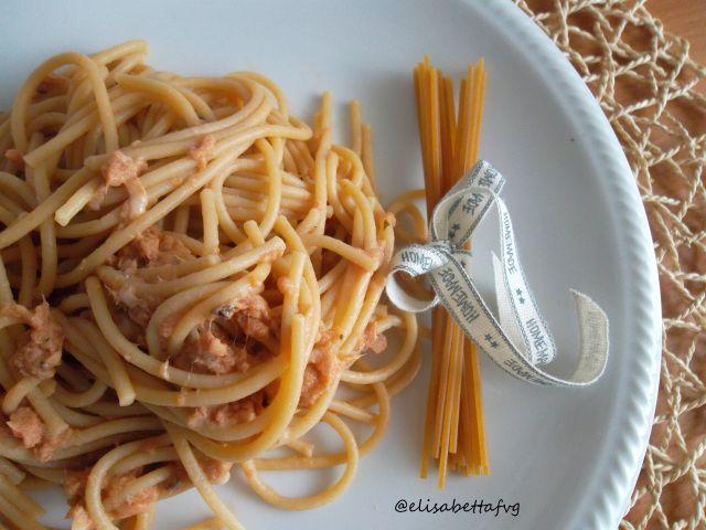 Una ricetta dal successo assicurato? Provate un primo piatto di pasta con unsugoal tonno davvero speciale. Leggendo il blog, mi sono incuriosita e l'ho provato subito. Delizioso perchè è un…