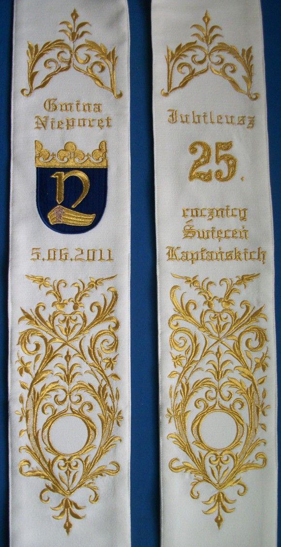 Okazjonalna, dekoracyjna stuła z okazji 25 lecia kapłaństwa z herbem gminy Nieporęt