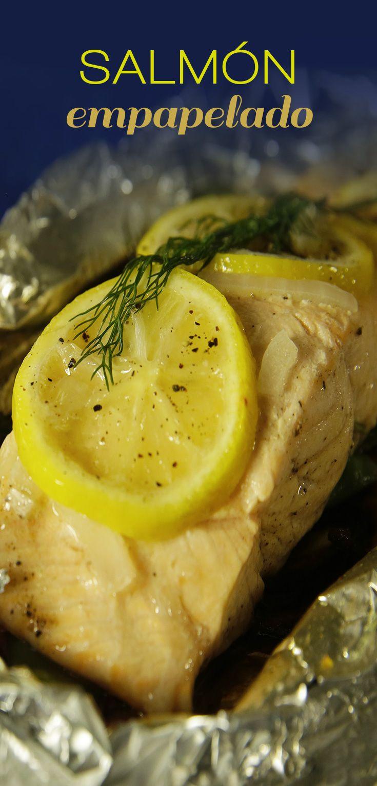 Salmón Empapelado | El salmón empapelado es una preparación deliciosa, y sobre todo muy saludable. Es un platillo repleto con omega-3, donde el limón amarillo y la cebolla perfuman al pescado, aportándole un sabor inigualable.