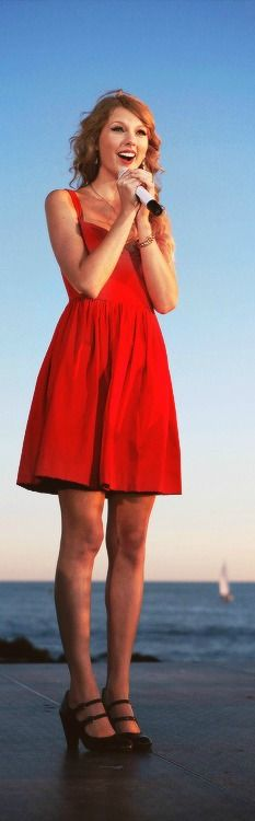 Taylor Swift Please visit our website @ http://22taylorswift.com