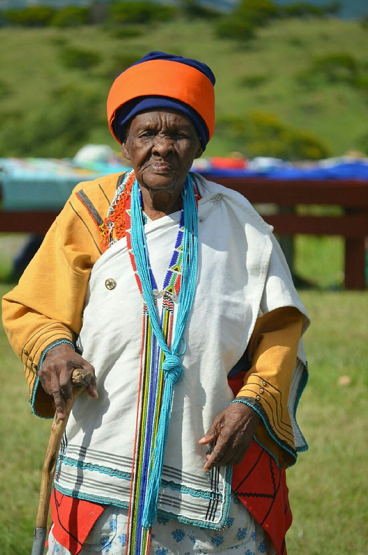 Mamma tufu in S Africa of the Xhosa tribe. Xhosa language is a series of clicks interspersed while speaking. Nelson Mandela is from the Xhosa tribe too....1-2015