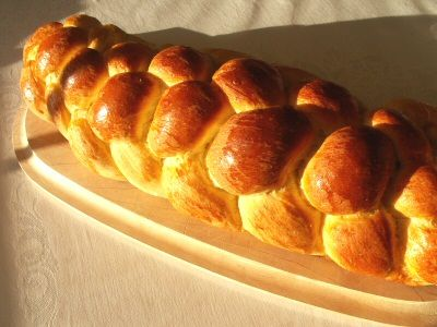 The finished 6-strand braided challah loaf