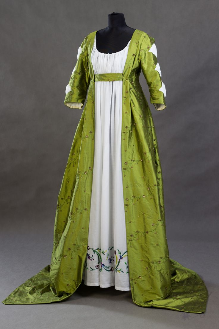 Suknia balowa ok. 1797-1800r. | Stroje Historyczne – Rekonstrukcje Ubiorów minionych epok