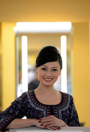 Singapore Airlines - lady inflight supervisor uniform