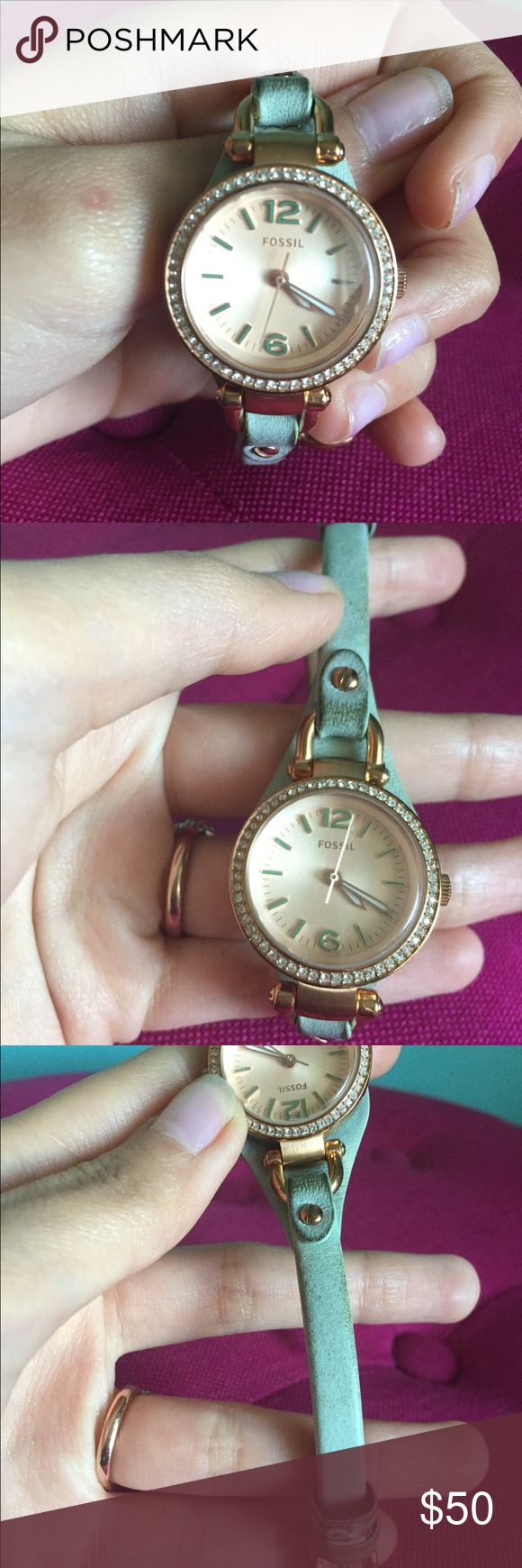 Rose gold and real fossil watch Beautiful watch! Battery was just replaced. Leather is a little dirty, but can be cleaned. Fossil Accessories Watches