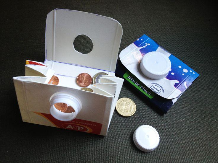 Aus alten Milch- oder Safttüten kannst du Geldbörsen basteln. Hier wird die Tütenöffnung als Börsenverschluss umgewandelt. Mit ein wenig Geschick, einer Schere, Lineal und einem Stift ist die Börse in einigen Minuten gebaut. Die komplette Anleitung findet Ihr hier (sollte sich das PDF beim draufklicken in Firefox nicht öffenen, bitte direkt runterladen, dann ist es…