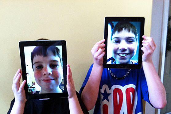 kids-ipads-boys-faces