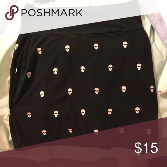 Victoria's Secret PINK skull tube skirt Black tube skirt with skulls PINK Victoria's Secret Skirts Mini