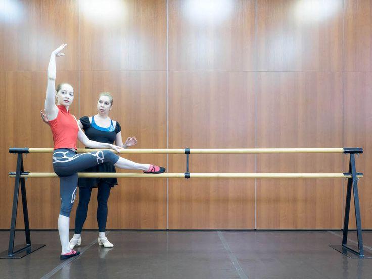 Дорогие друзья! Наступила пора отпусков, но ГРАНД БАЛЕТ продолжает свою работу специально для тех, кто стремится всегда оставаться в форме! Мы приглашаем девушек и женщин от 18 до 65+ лет на занятия по Боди-балету и Стретчингу. Это специально разработанный комплекс методик, объединяющий в себе танцевальные занятия и упражнения на растяжку. Данные тренировки направлены на развитие гибкости, улучшение осанки, укрепление мышц и обретение уверенности в себе. При этом, они подходят для людей…