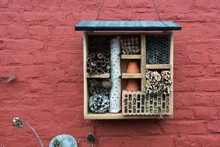 best 25 insektenhotel selber bauen ideas on pinterest insektenhotel selber machen selbst. Black Bedroom Furniture Sets. Home Design Ideas