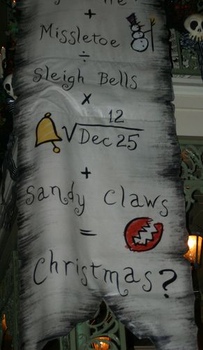 I want to make a decoration like this~! LOVE nightmare before christmas!