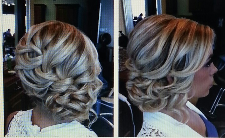 Side updo, love this.