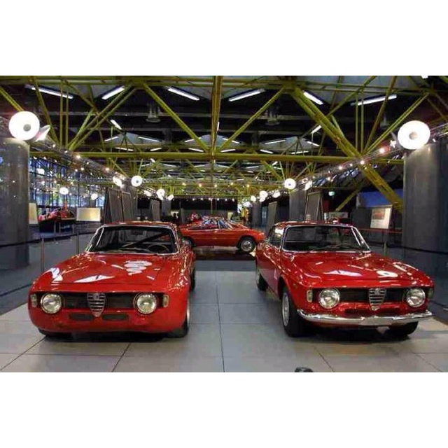 213 best images about alfa romeo giulia gt 39 s in all colors for Garage alfa romeo paris