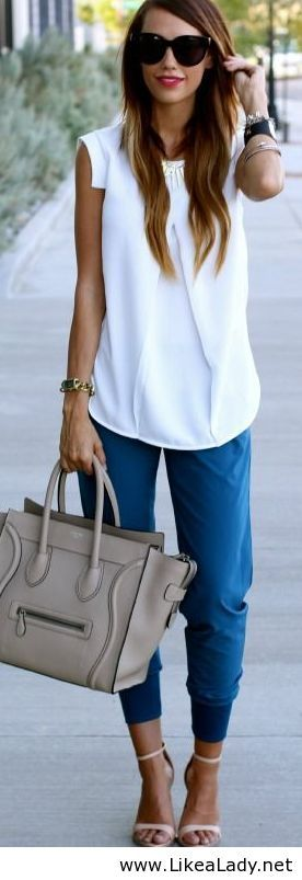 Pair a plain tee with jogger pants | How-to love this blouse!! Love the sleeve lines! Love the joggers