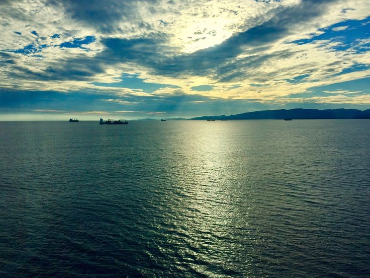 PuristSPro - Morning arrival at Colon (Panama). Vessels at anchor awaiting their turn to cross canal!!