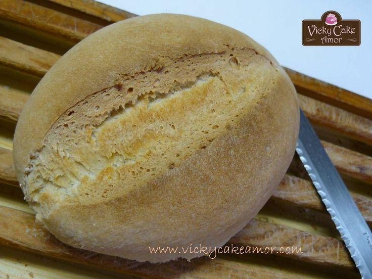 Home made bread recipe on my blog! http://www.vickycakeamor.com/2013/08/pan-casero-y-masa-madre.html